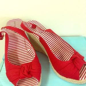 Red Stripe Wedges Size 8